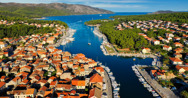 sailing_sibenik_croatia_stari_grad_hvar_009